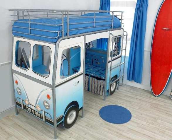 Una cama tipo camioneta para cuartos pequeños de niños y niñas, una ...